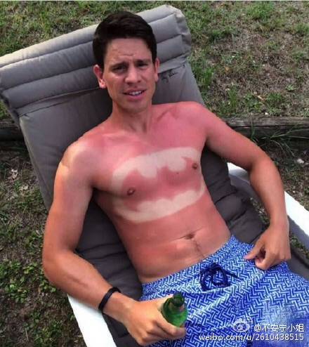 Funny Foreigners Weibo Reacts On Suntan Lotion Body Art What S On Weibo