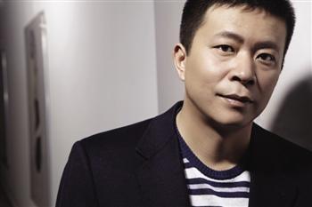 Sina Weibo CEO Cao Guowei (picture via Tencent).