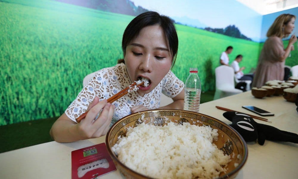 "Binging and Purging as Online Trend: From China's ""Big Stomach Stars"" to "" Vomit Bars"""