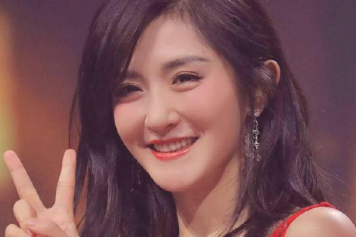 Angela Zhou Wiki top weibo accounts of 2018: most popular celebrities on sina